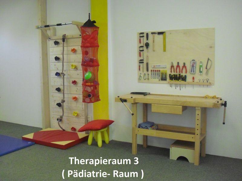 Therapieraum 3 ( Pädiatrie - Raum )